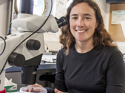 Colleen Durkin, Oceanographer, studies particle size and distribution in order to relate it to the carbon cycle and the capacity of the ocean to store carbon. Credit: Schmidt Ocean Institute/Monika Naranjo Gonzalez