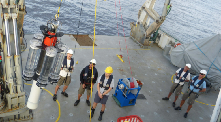 A neutrally buoyant sediment trap (NBST) is deployed off the R/V <em>Falkor</em>.