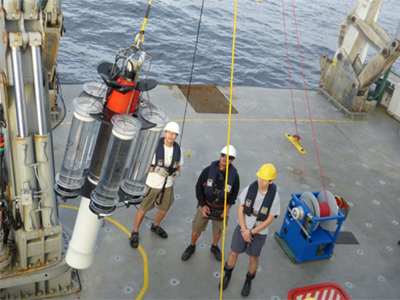 Researchers deploy a neutrally buoyant sediment trap to measure carbon-containing particles sinking out of the surface and into deep ocean. Credit: Schmidt Ocean Institute
